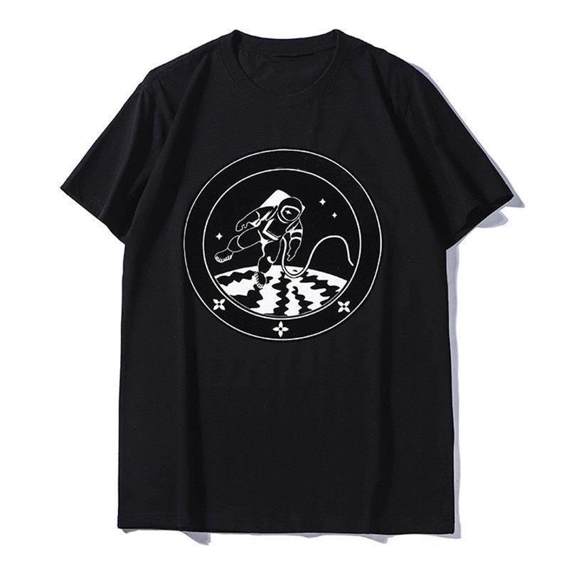 Summer New Mens T Shirt Couples Soft Cotton Short Sleeves Fashion Trend Hip Hop Casual Astronaut Print Men Women Tees Size S-2XL