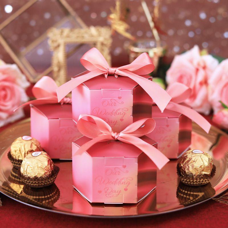 100pcs / Lot Yeni Yaratıcı Şeker Kutuları Düğün Konuklar Şeker Kutusu İçin Bebek sayesinde Hediye Kutusu Doğum Düğün Hediyesi Malzemeleri Şekeri