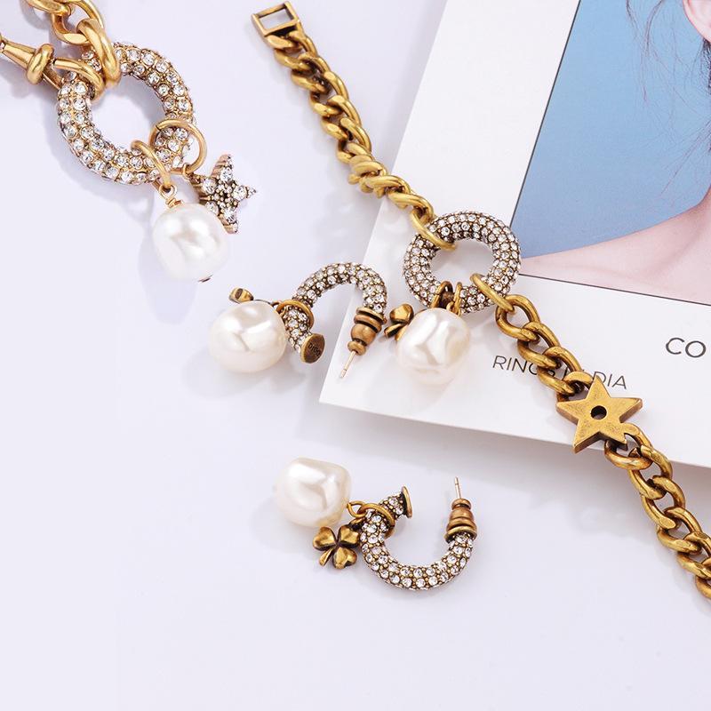 2020 heiße heiße Art alte Weisen D Haus clovers Perlenohrring Senioren Art und Weise vorzüglichen mo weiblichen Temperament Gefühl Joker Halskette