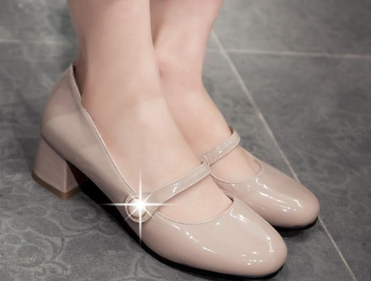 2019 Chaussures pour femmes au printemps et à l'automne avec talon moyen style nouveau talon rugueux tête carrée @ 203