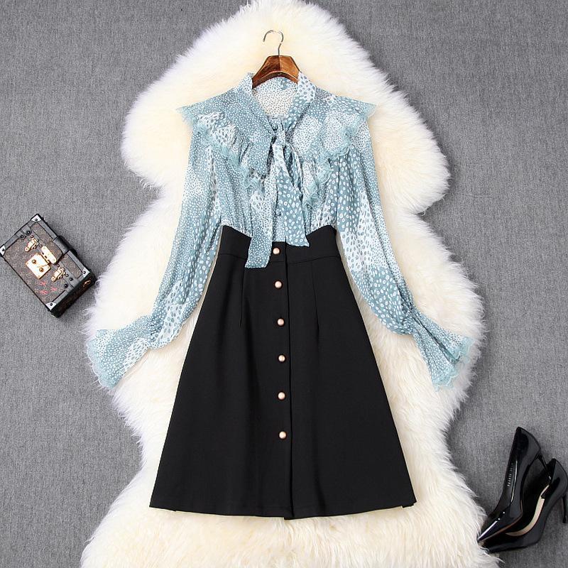 2020 İlkbahar Yaz Siyah / Mavi Uzun Kollu Yuvarlak Yaka Retro Polka Dot Baskı Şerit Kravat Bow Düğmeler Kısa Mini Elbise Elbiseler LD11T10503