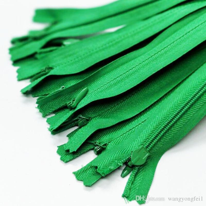 100 pcs Verde Zíperes Invisíveis Bobinas De Nylon Ferramentas Acessórios de Vestuário 28 CM g Zíperes DIY Nylon Bobina Com Zíper