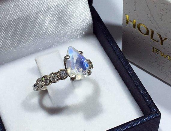 2019 Ma'am Opal Ring Originality Fund Drip Form Ring