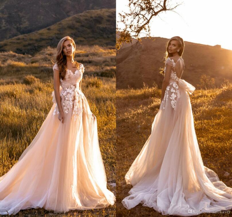 Crystal Design Champagne Elegant Capped Sleeves Wedding Dresses 2019 Bohemian Beach Lace Appliques Sexy Open Back Tulle Bridal Gowns