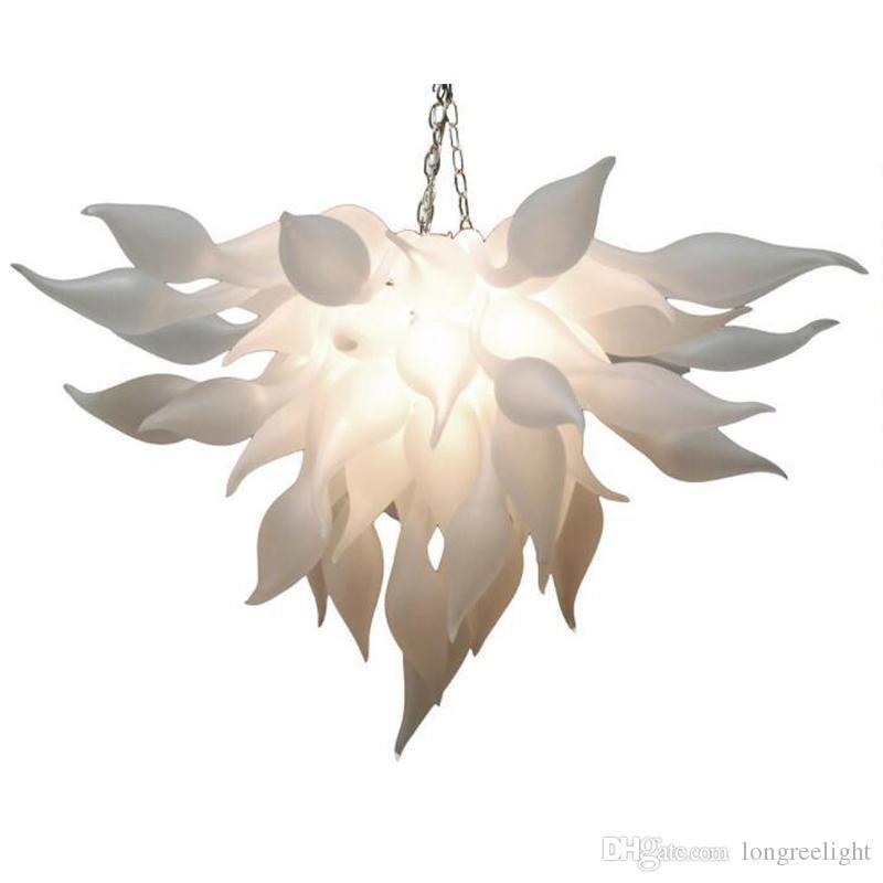 Soffiato di vetro glassato bianco Lampadario a buon mercato a mano Wedding Glass Chandelier per Shape Art Decor goccia pendente di vetro con lampadine LED