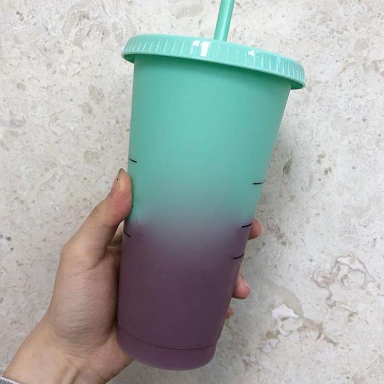 24 ooz con logo Color Cambiando la tapa mágica Beber plástico personalizado con colores de caramelo de paja Copa reutilizable Taza Taza Taza Copa Café Cerveza TDJM