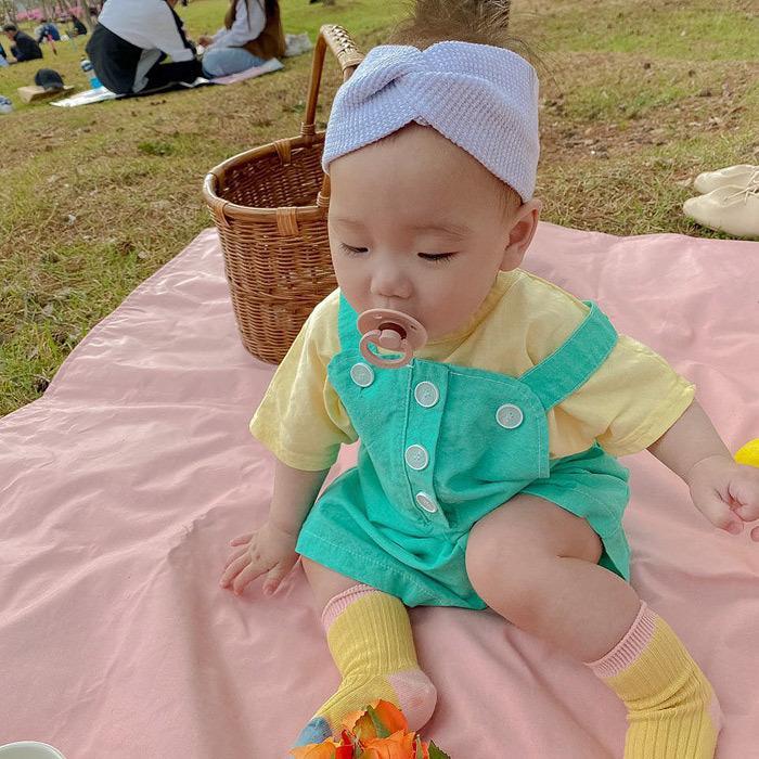 Verão estilo coreano bebê bonito pequeno outfits Meninos Bebés Meninas cor sólida T e os macacões 2 pcs conjuntos