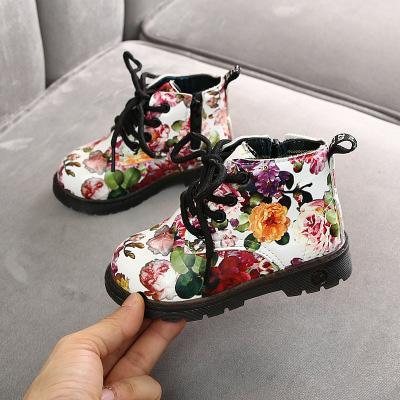 도매를위한 지퍼를 가진 여자 패션 디자이너 부츠 2020 브랜드 아동 꽃 Prined 라운드 토 마틴 부츠 캐주얼 럭셔리 키즈 신발
