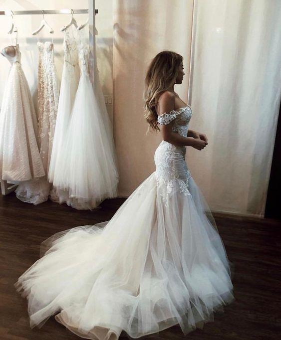 Modest Designer Brautkleider 2021 Rabatt auf Schulter mit kurzen Ärmeln Meerjungfrau Tüll Falten Applique Spitze Hochzeit Brautkleider billig
