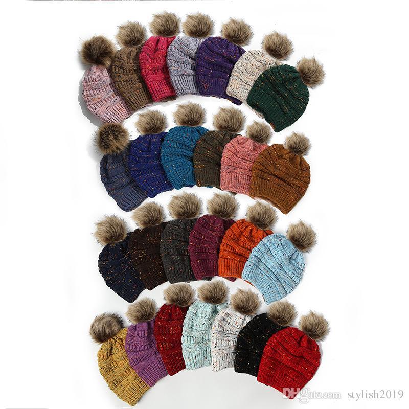 Adultes épais chaud Chapeau d'hiver pour les femmes souple extensible câble Tricoté pompons Bonnets Chapeaux Skullies femmes Ski Cap wcw786 Beanies