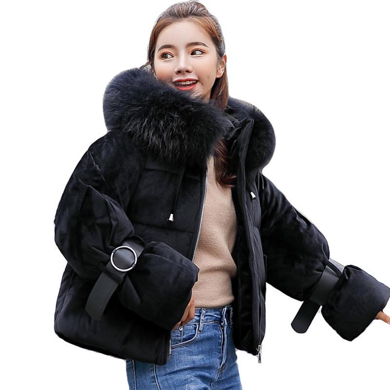Nueva llegada de la chaqueta para mujer chaquetas de invierno con capucha y piel de algodón acolchado de invierno Mujeres Moda 2019 Escudo Parka Casaco Femenino
