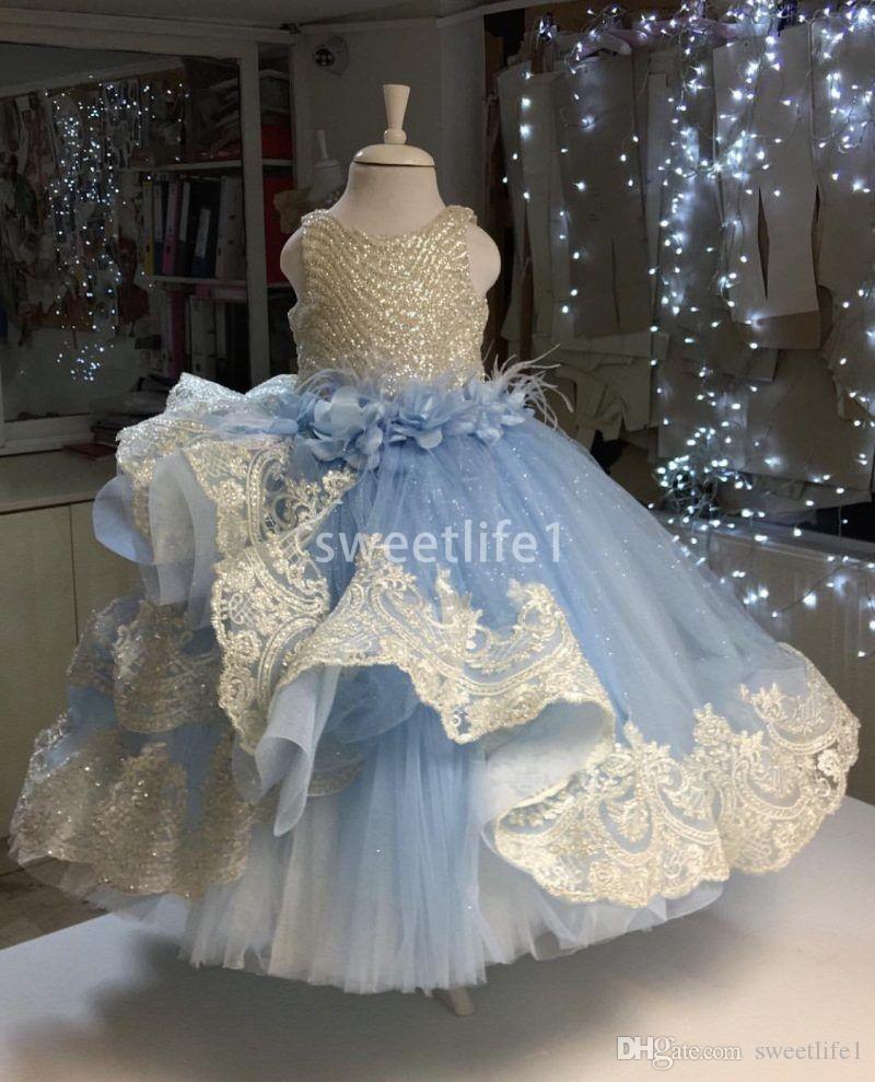 2020 robes de filles de fleur de ciel bleu clair mignons de dentelle appliques jupes à niveaux luisant paillettes taille avec des robes de première communion 3D Flora