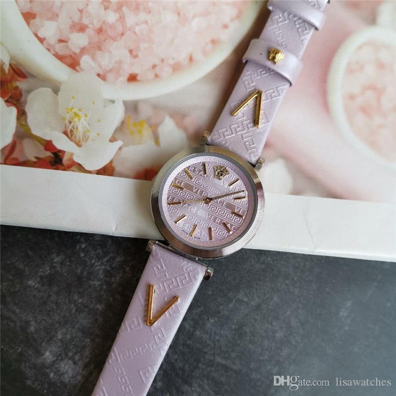 2020 Une 4 couleurs montre à quartz suisse plongée hommes de luxe en acier Stanless mens qualité montre automatique saphir super lumineux montres-bracelets