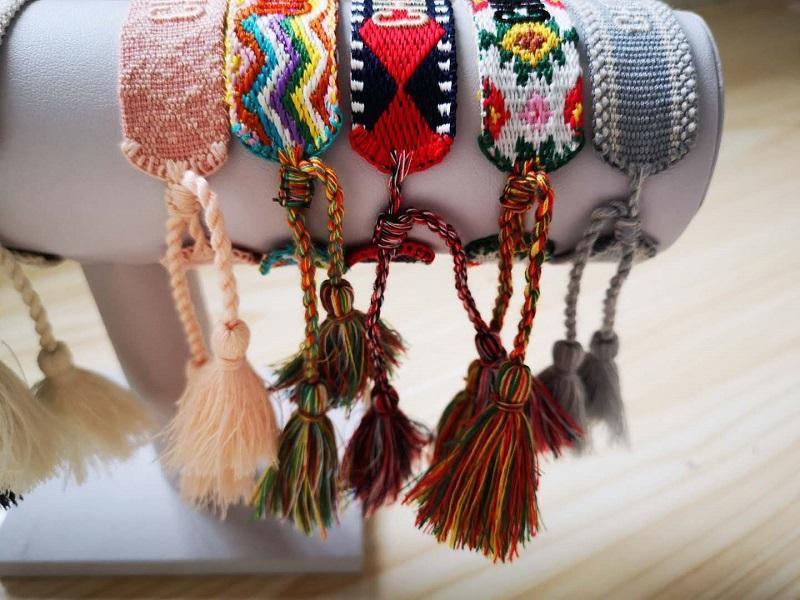 Mode Knotting Quaste und Cotton Armbänder eine beste Geschenk für Tag Freundschaft auch für Geburtstag und Weihnachten mit Geschenktüte