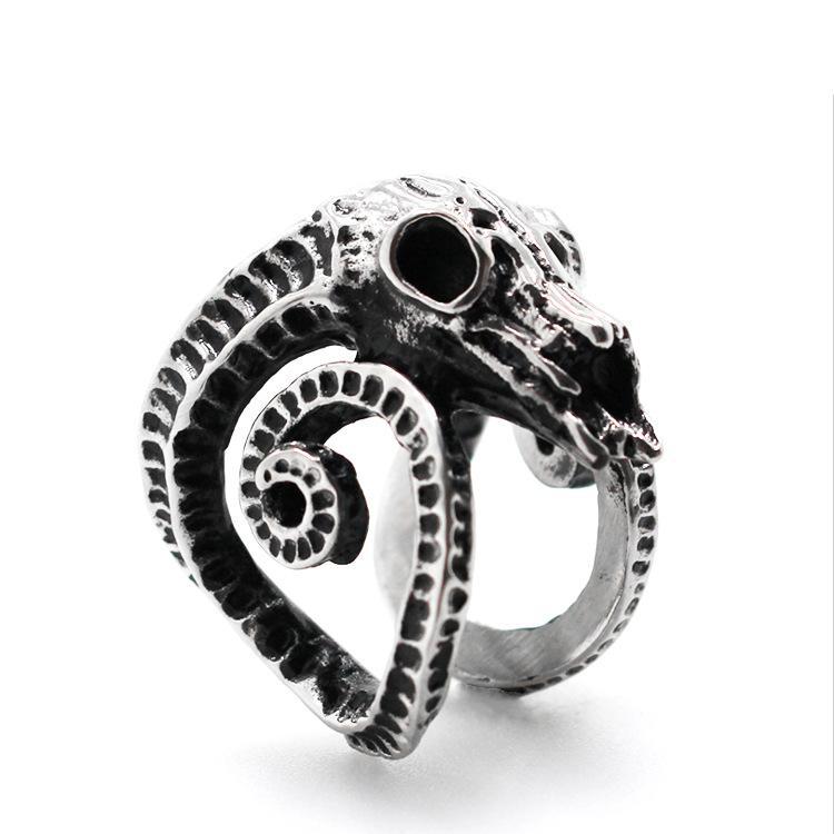 2020 neue europäische und amerikanische Rote Platte Schafe Schädel Punk Herren Titanium Edelstahl-Ring-Art- und Zeigefinger Schmuck Ring Hand Accessor