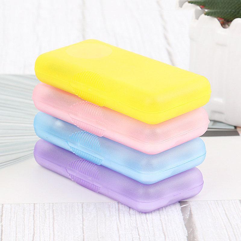 Acciaio inossidabile 4 pc / insieme Chiodi corredo di attrezzi del manicure forbicine Portable Set unghia trimmer unghie Strumenti Plastic Box Set DH1390 T03