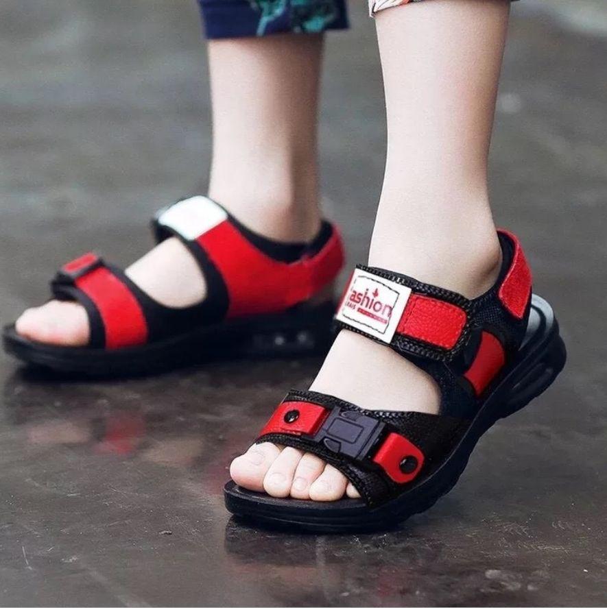 하문 시즌 2019 새로운 소년 여름 어린이 비치 신발 큰 소년 소년 샌들 플라스틱 남자 아기가 멋진 신발