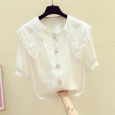 Frau Weiße Bluse 2020 Sommer neue koreanische Art-elegante Spitze-Puppe-Kragen-Hemd mit kurzen Ärmeln Frauen All-Gleiches Blusen Tops
