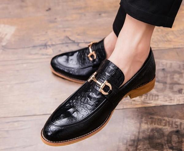 2019 Toe Pointu Robe Chaussures Hommes d'affaires en cuir de luxe de mariage Mocassins imprimé floral hommes Flats Party de bureau Chaussures formelles des chaussures B41