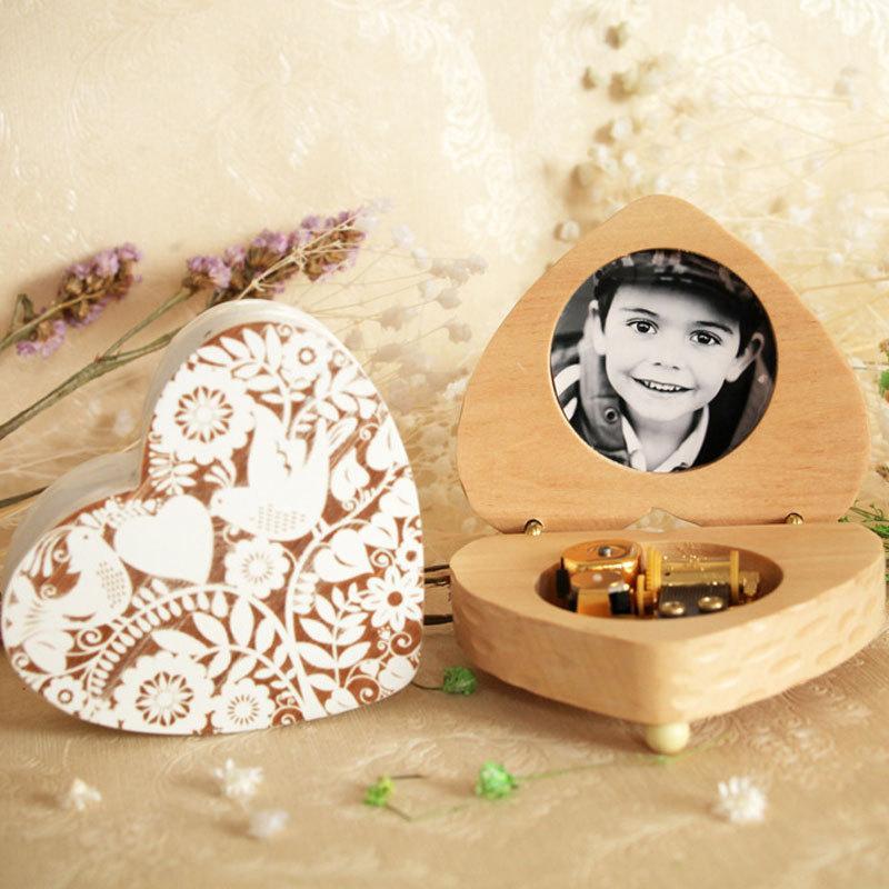 크리 에이 티브 나무 패션 여덟 톤 상자 선물 프레임 뮤직 박스 발렌타인 생일 선물 커플 세트 공예품