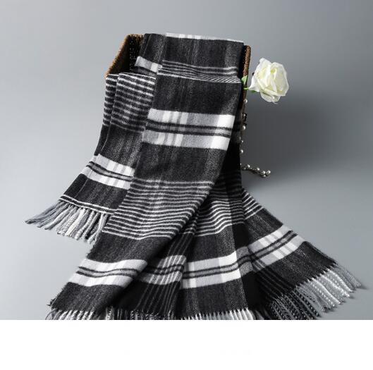 Automne et hiver nouvelle dame Designer écharpe en cachemire chaud châle frangé assorti de la mode britannique classique écharpe à carreaux