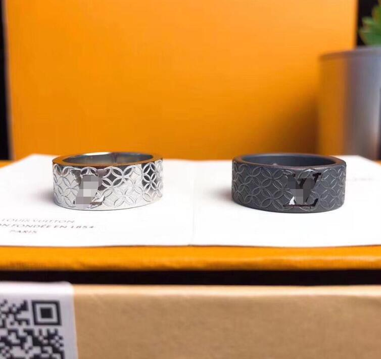 Luxus-Designer-Schmuck Mode-Stil hohle V Brief Ring Modetrend Marken Roségold 18 Karat Gold nagelneue Designer hohe Qualität 01