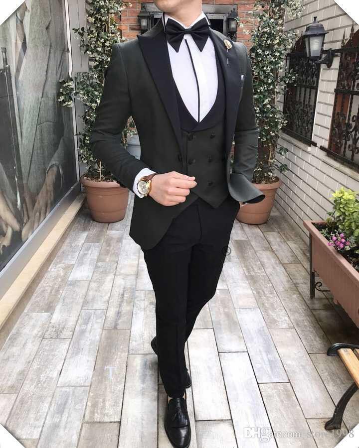 Vente chaude Groomsmen Peak Black Lapel Groom Tuxedos Un Bouton Hommes Costumes Mariage / Bal / Dîner Meilleur Homme Blazer (Veste + Pantalon + Cravate + Gilet) A995