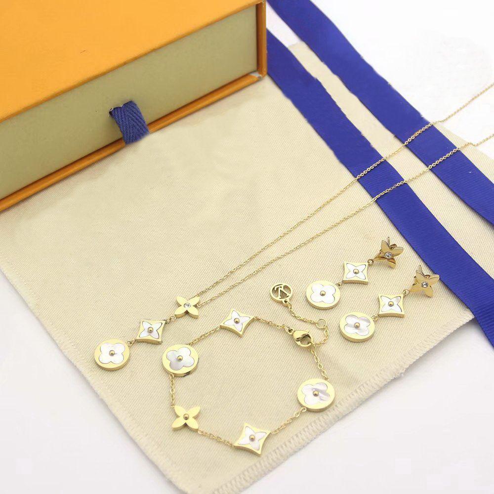 Europe America Style Bijoux Ensembles Lady Femmes V Initiales Mère de Pearl Trois Patchs de fleurs Collier Collier Boucles d'oreilles Cinq bracelet de fleurs