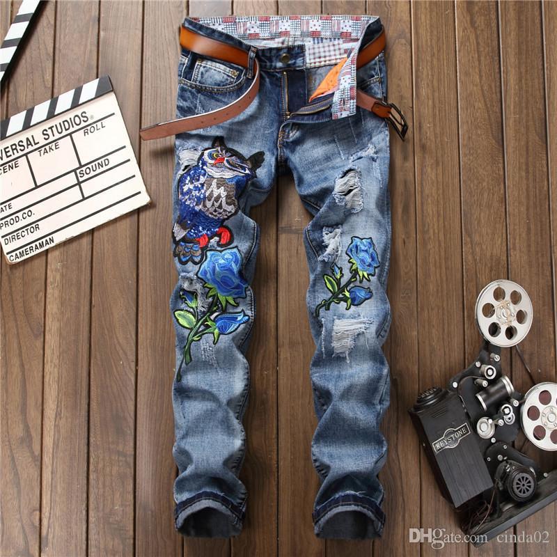 Tasarım Yeni Delik Nakış Hayvan Mavi Denim Pantolon Üst Kalite İlkbahar Sonbahar Jeans Düz Zip Jeans Erkekler modası Ripped