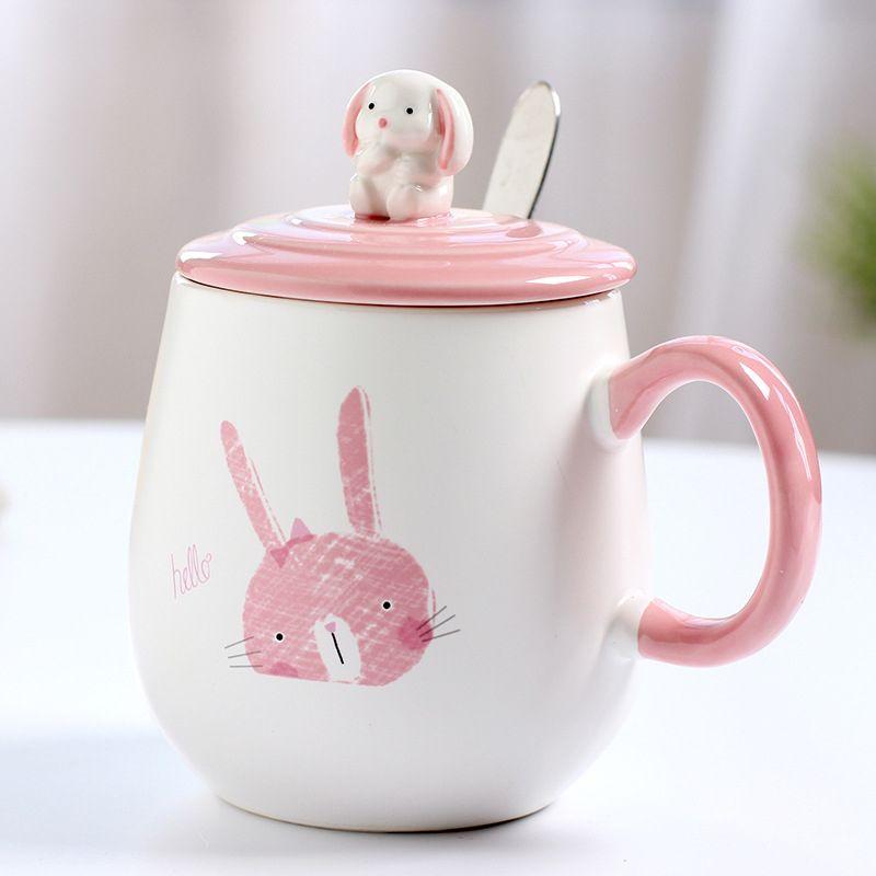 Patrón de animal de conejo de dibujos animados de oficina con tapa, cuchara taza de café líquido de leche de café.