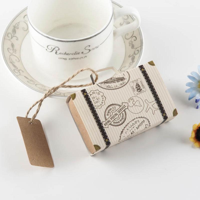Viajes 50pcs único tronco de caramelo caja con papel Kraft Maleta Etiqueta del regalo de la boda favores rústicos y regalos del favor del matrimonio recuerdos