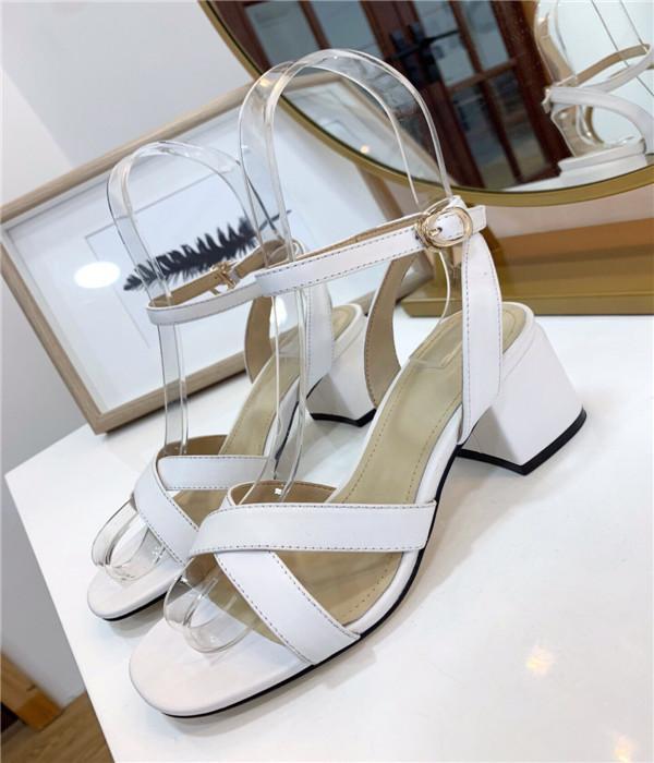 Clásico de la marca mujeres del diseño del cuero genuino de las sandalias romanas cruzada de la correa del tobillo sandalias de tacón grueso hebilla de la manera ocasional sandalia cabeza cuadrada