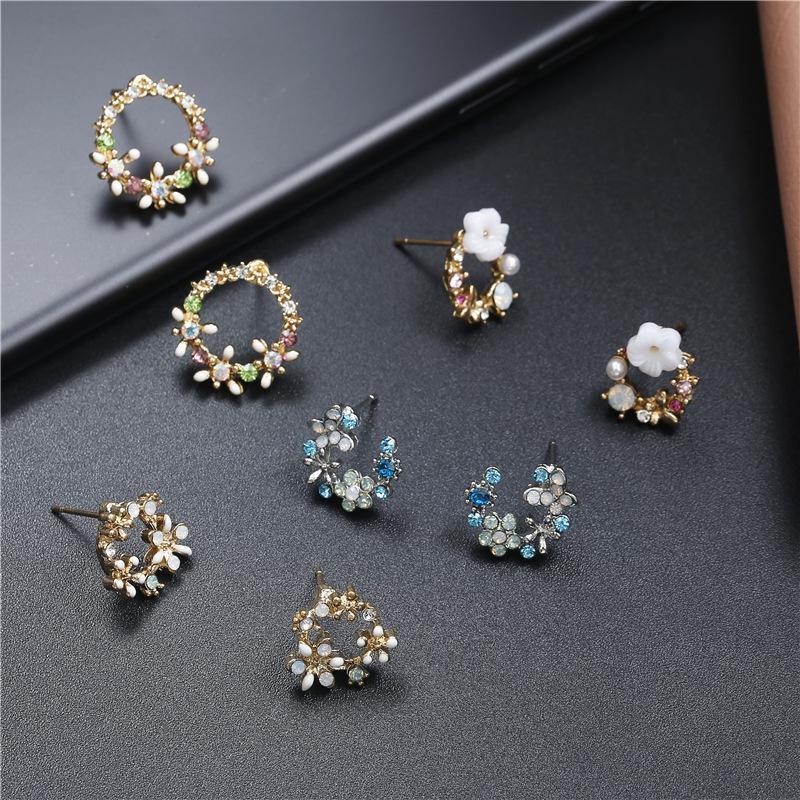 Kadın Moda Küpe Charm Tatlı Renkli Çelenk Daire Rhinestone Diamonds Saplama Küpe Parti Düğün Küpe Takı Hediye Aksesuarları