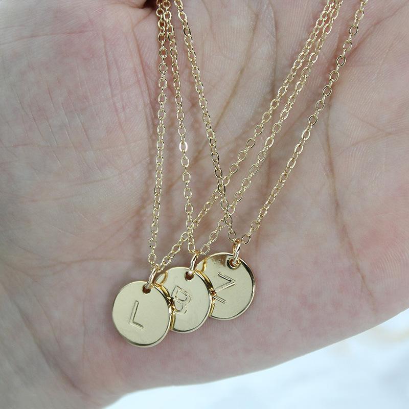 Fashion 26 Buchstabe Kreis Anhänger Ketten Frauen Alphabet Charm Gliederkette für Damen Luxus Schmuck-Geschenk