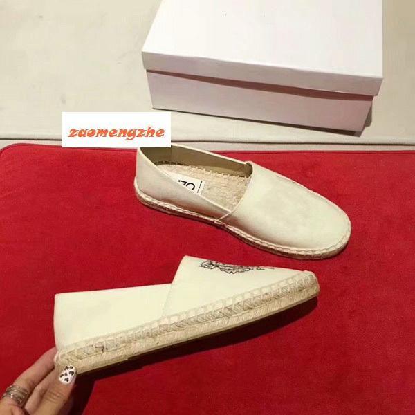 Sapatos novos dos pares com sapatos Tiger única cabeça e sapatos de palha bordados