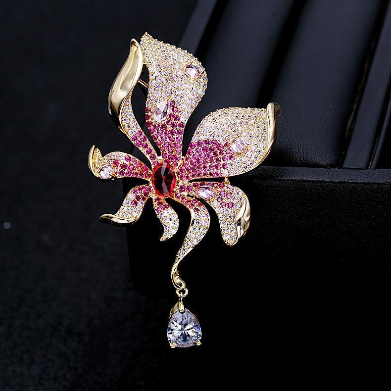 Crystal Flower rosa goccia d'acqua Spille Pins Nuovi monili di modo del commercio all'ingrosso di nozze d'oro corpetto del vestito creativo Sciarpa Fibbia