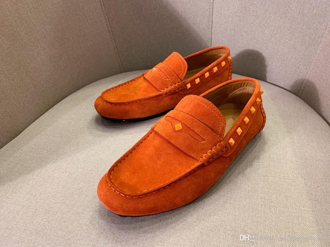 Venda quente 2019 do desenhador marca de moda rebites mocassins dos homens camurça confortável Formal tamanho Business Flats Chaussure Homme 38-45