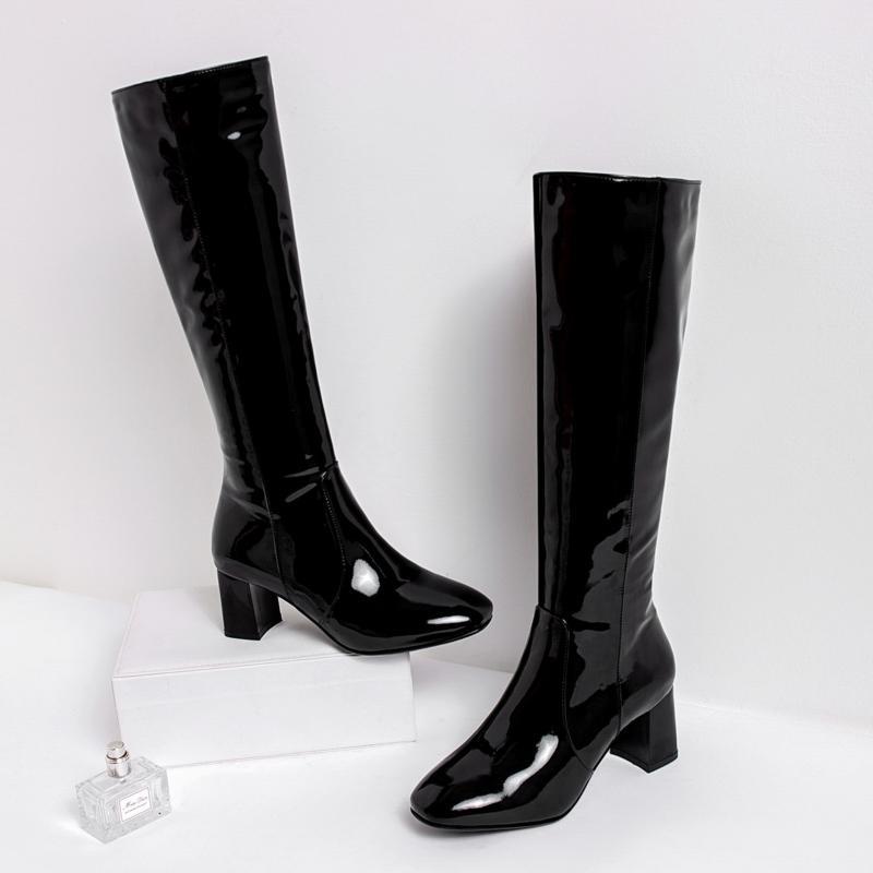 square toe rain boots