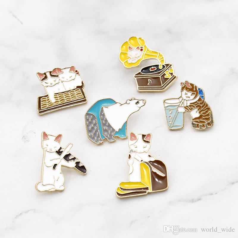 Korea Cartoon Cat Brooches for Women Creative Cake Slice of Bread Coffee Cup phonograph enamel pins jewelry accessories