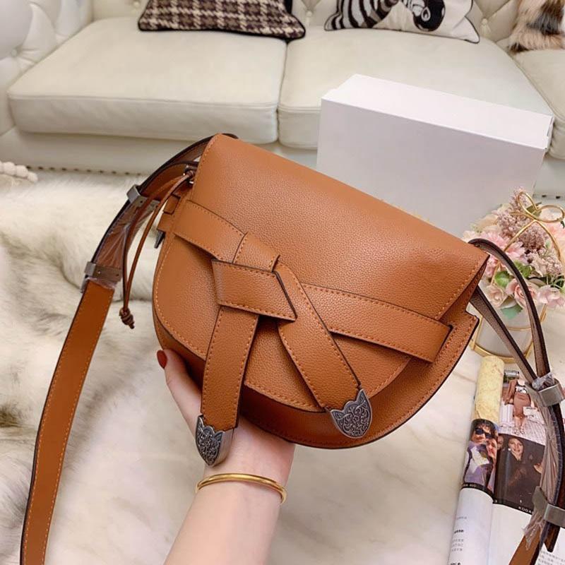 20ss Kadınlar Tasarımcı Omuz Çantaları Küçük Yumuşak Deri Moda Shell Çanta Lady Çapraz Vücut Çanta Düğün Casual Çanta