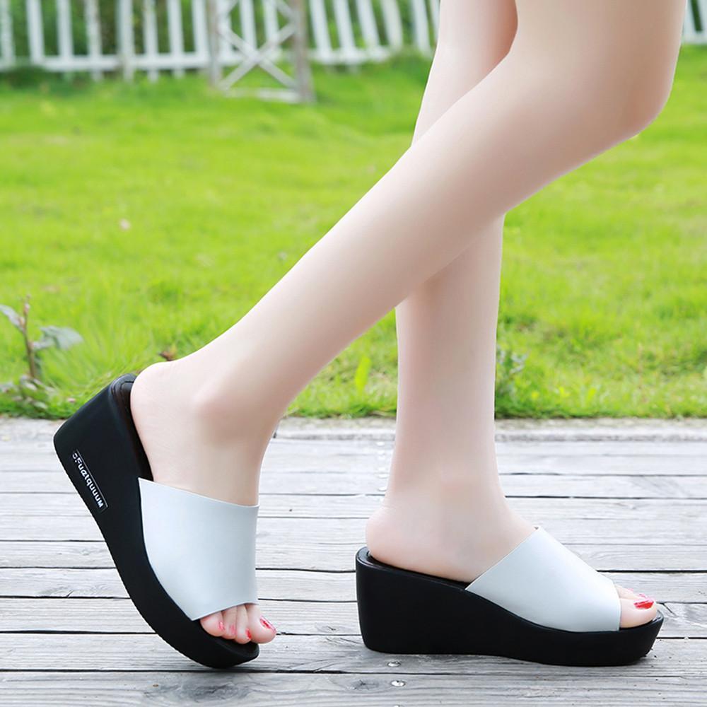 عارضة النساء السمك الفم منصة عالية الكعب الصنادل المنحدر صنادل بسيطة أسود أحذية بيضاء إسفين أحذية جلدية عادية