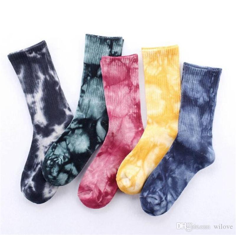 Yeni Unisex Toptan Yeni Moda Yüksek Performanslı Pamuk Çorap Harajuku Street Style Tüp Renkli Giysi S Çorap Orta Manşet