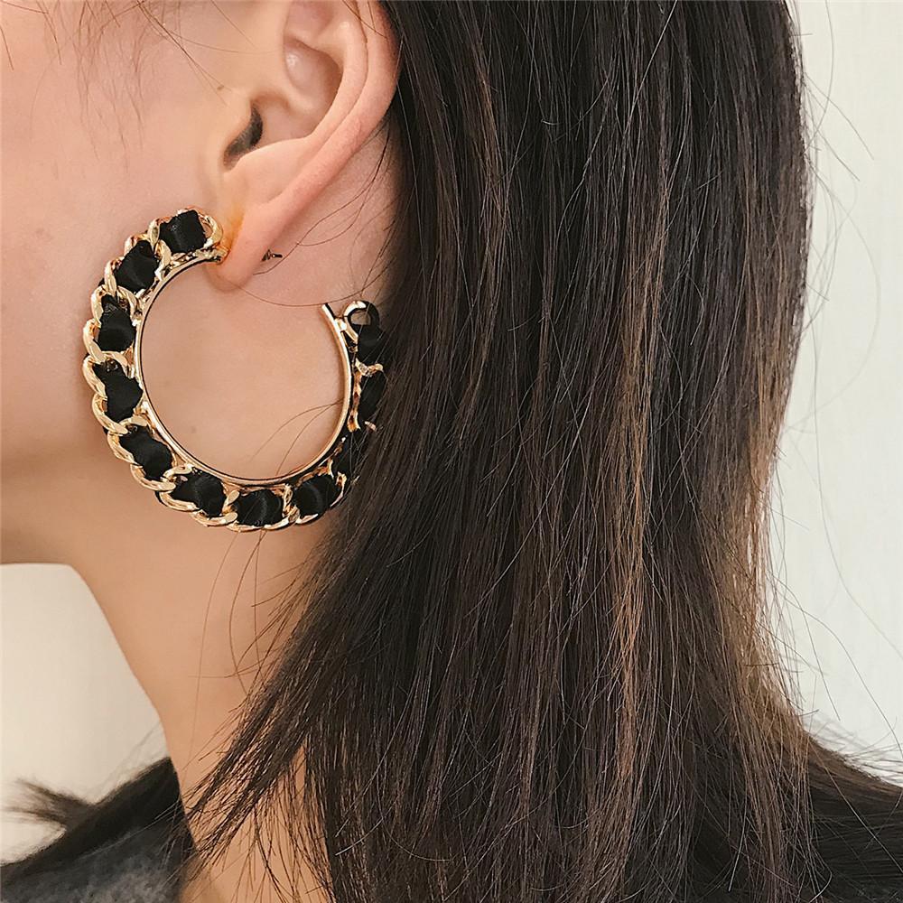 문자 C 레이디 귀걸이 대형 펜던트 골드 합금 체인 검은 천으로 스트립 산재 장식 패션 쥬얼리 귀 스터드 FJ220