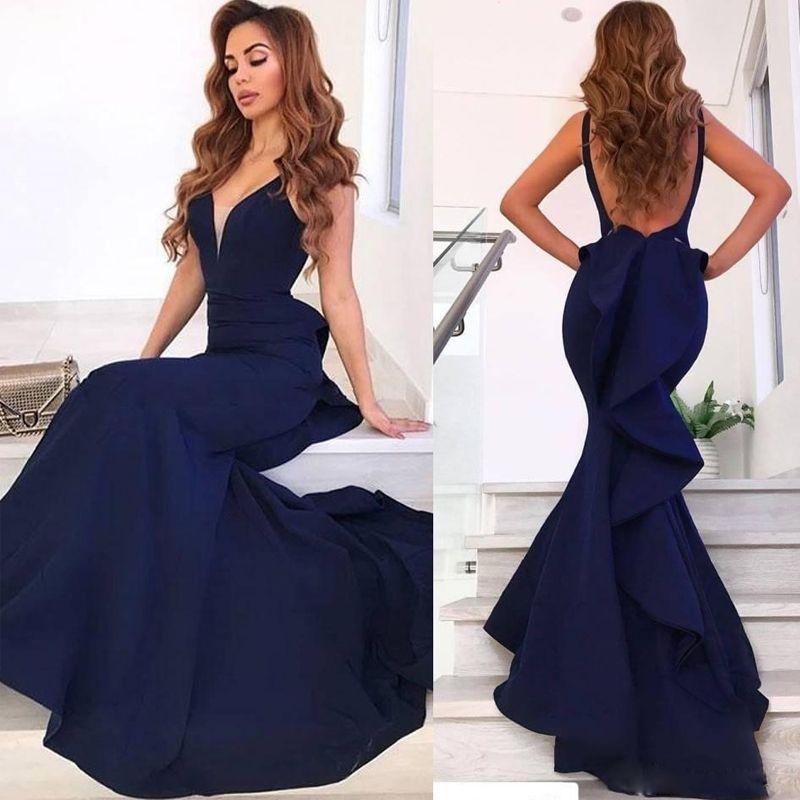 Compre Sirena Azul Marino Vestidos Largos De Dama De Honor Escote En V Sin Espalda Volantes Vestido De Fiesta Tren De Barrido De Satén Vestido De