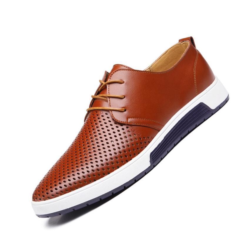 Nuova estate Men Casual Shoes Mens pattini degli appartamenti di cuoio uomo respirazione Fori Oxford Big Size per il tempo libero Scarpe