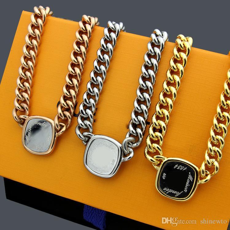 Nuevo llega la señora de la manera de acero Titanium de los hombres tarjeta de 18 quilates chapado en oro del color del doble grueso collares con letras colgante cuadrado Color de la pulsera 3