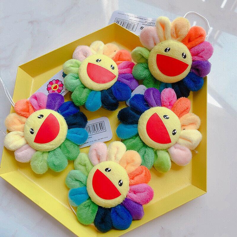 Pudcoco Blume Takashi Murakami Kiki Kaikai Brosche Regenbogen-Abzeichen-Bügel-Plüsch nettes Spielzeug