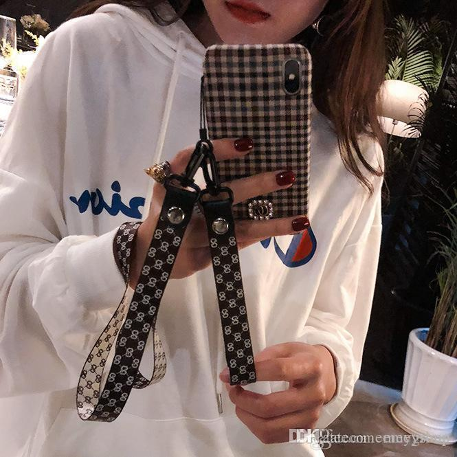 Designer de luxo Aqueça flanela xadrez pano Phone Case para Iphone 11 Pro Xs Max Xr X 6 7 8 PlusCase simples Plush Tecido Caso com cordão