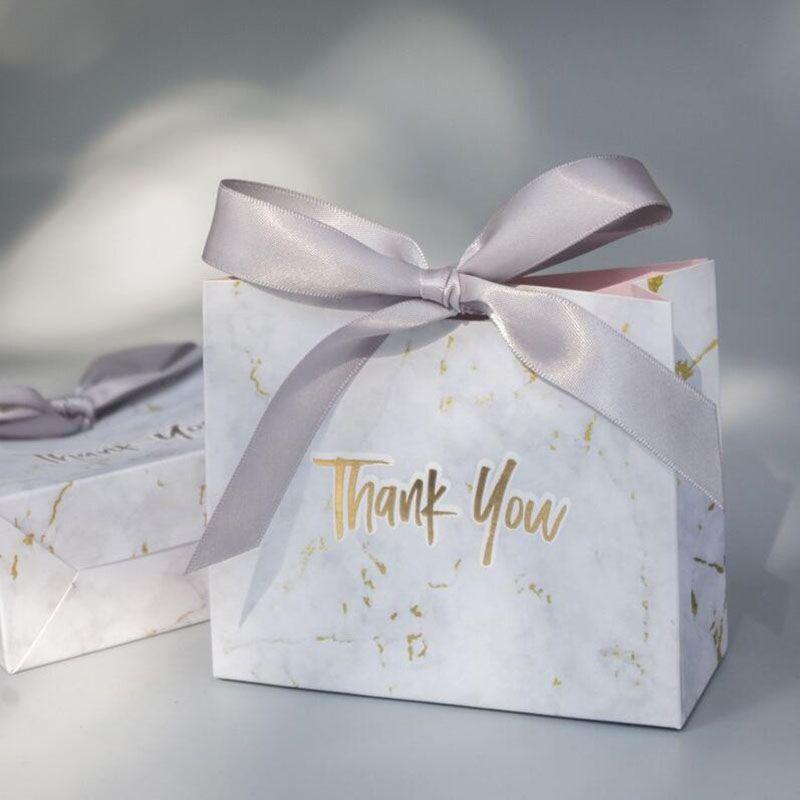 La caja de regalo de la boda de la bolsa de regalo de estilo europeo de mármol creativo le da a la novia Favores de boda y bolsas de dulces para los huéspedes 10pcs / lot