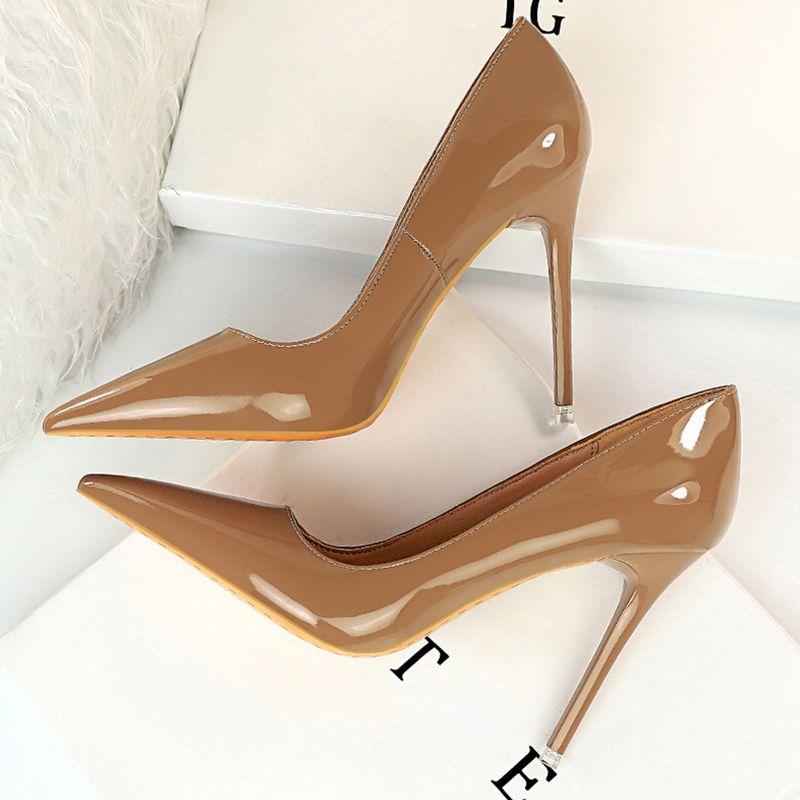 2020 Женщины Фетиш 10.5cm High Heels Wedding насосы Lady Остроконечные Toe Nude Браун Валентина Heels Scarpins офис Stripper Red Shoes T200615
